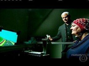 Videogame pode ajudar a melhorar a memória de idosos - A descoberta é de cientistas da Universidade da Califórnia (EUA). Eles desenvolveram um jogo eletrônico e perceberam que os idosos que jogaram, voltaram a fazer várias tarefas ao mesmo tempo, com a mesma habilidade de um jovem de 20 anos.