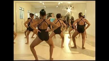 Projeto de dança ajuda no desenvolvimento de crianças de Três Rios, RJ - Além de contribuir com a saúde, atividade tem influenciado positivamente no comportamento das crianças.