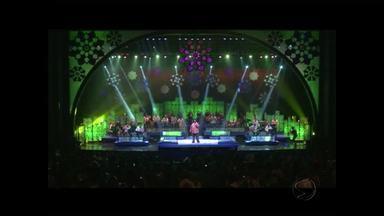 Cantor Péricles se apresenta na Expo Rio das Flores, RJ - Show será na Praça da Bandeira, a partir das 23h.