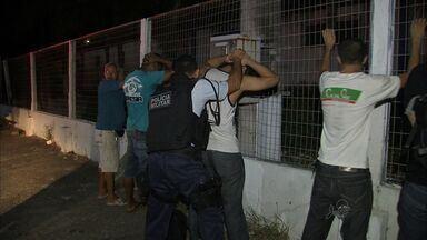 Polícia reforça policiamento em ônibus - População reclamam de alto índice de assalto em transporte coletivo.