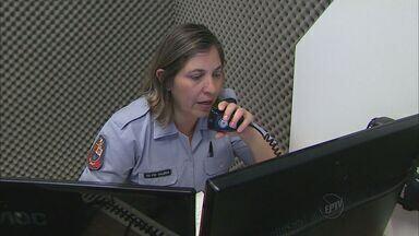 Moradores de Franca, SP, reclamam de demora em atendimento da Polícia Militar - Chamadas são recebidas por central em Ribeirão Preto.