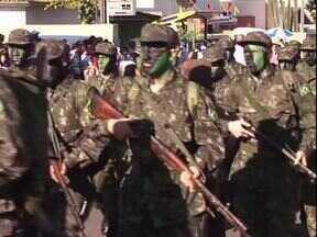 Paraná TV deste 7 de setembro está cheio de notícias pra você - Desfiles, mostras culturais e reunião pra discutir a segurança no Noroeste são alguns dos destaques.