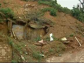 Inea vai reassentar famílias que vivem nas encostas em Petrópolis - Cerca de duas mil famílias que vivem em áreas de risco em Petrópolis, Região Serrana do Rio de Janeiro, vão ser reassentadas pelo Instituto Estadual do Ambiente (Inea).