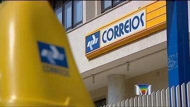 Com a greve, Correios fazem mutirão para evitar atrasos nas entregas em São José - Empresa faz a ação neste fim de semana, já que a paralisação dos funcionários já dura oito dias.