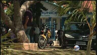 Quatro das cinco vítimas da queda do avião em Goiás são veladas em Jacutinga, MG - Quatro das cinco vítimas da queda do avião em Goiás são veladas em Jacutinga, MG