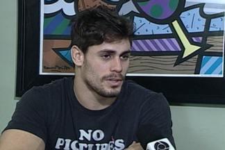 """""""Cara de Sapato"""", lutador de MMA, saiu da Paraíba para lutar no UFC - Veja entrevista com o lutador."""