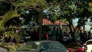 Quatro vítimas de queda de avião são veladas no Sul de Minas - Aeronave de pequeno porte saiu de Minas e caiu em Goiás.