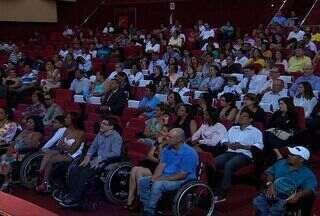 Evento comemora o dia Nacional De Luta das Pessoas com Deficiência - Um dos anseios dessas pessoas é provar que são capazes de exercer as mais diversas funções no mercado de trabalho. Confira.