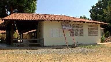Casa de apoio abriga pessoas com deficiências - Uma casa de apoio, no bairro Pascoal Ramos, em Cuiabá, abriga pessoas com deficiência que foram abandonadas por suas famílias.