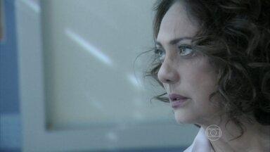 Ordália fica nervosa com a presença de Herbert - Ela comenta com Joana que quer se manter longe dele
