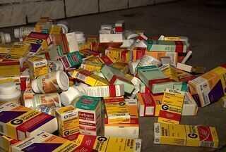 Motorista de ônibus encontra medicamentos descartados em via pública em Aracaju - Motorista de ônibus encontra medicamentos descartados em via pública em Aracaju