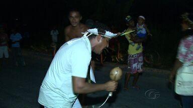 Índios da tribo Wassu Cocal realizam protesto para pedir por demarcação de terras - Os Wassu Cocal bloquearam a BR-101 em Joaquim Gomes para chamar atenção sobre a demarcação de terras, educação e saúde dos povos indígenas.