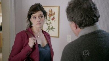 A Mulher do Prefeito - episódio do dia 11/10/2013, na íntegra - Aurora aceita convite para jantar e deixa Reinaldo transtornado