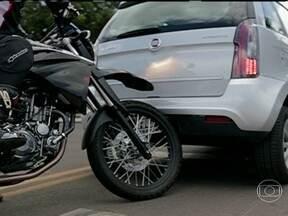Estreia da série Ponto de vista - O primeiro episódio ensina como motociclistas e motoristas fazem para ver e serem vistos em algumas situações cotidianas.