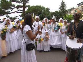 Evento em Montreux celebra a cultura baiana - Além da apresentações de músicos baianos, teve também desfile de baianas na cidade suíça.