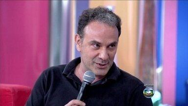 Marco Ricca sobre ser professor: 'O melhor é poder despertar o senso crítico' - Ator diz que más condições de trabalho desmotivam profissionais
