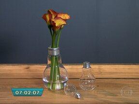 Escola em Holambra ensina a valorizar flores e ambientes sem gastar muito - Materiais alternativos podem ser usados para montar arranjos de flores sem abrir mão da elegância. Confira as dicas para enfeitar a sua casa na primavera.