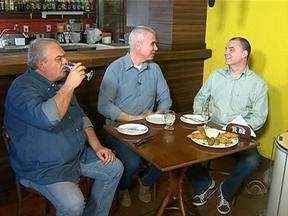 'Botequim do Maurício' recebe o ator Zé Victor Castiel e radialista Mauri Grando - Na véspera do Gre-Nal 398, entrevistados deixam de lado a vida profissional para falar de suas paixões clubísticas.