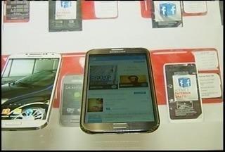 Vendas de celulares smartphones tiveram 110% de crescimento no 2° trimestre de 2013 - Comércio de Montes Claros segue essa tendência.