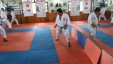 Yoshizo Machida, pai de Lyoto, ministra curso em Manaus - Mestre de caratê deu aulas em uma academia da capital amazonense.