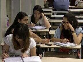 Estudantes de MS se preparam para o Exame Nacional do Ensino Médio - Nos dias 25 e 26 de outubro será realizado o Exame Nacional do Ensino Médio (Enem). Por isso, o sábado (19) foi de estudo para muitos alunos.