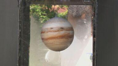 Exposição mostra réplicas de planetas do sistema solar em Itajubá - Exposição mostra réplicas de planetas do sistema solar em Itajubá