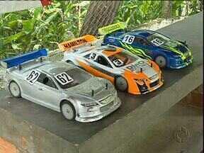 Curitiba foi palco do Paranaense de automodelismo - A sétima etapa do campeonato paranaense de automodelismo super stock rolou em Curitiba na pista da Associação de Automodelismo Radiocontrolado.
