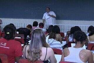 Estudantes sergipanos revisam os conteúdos estudados para o Enem - Estudantes sergipanos revisam os conteúdos estudados para o Enem