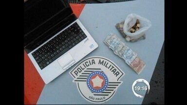 Dupla é presa duas vezes após praticar furtos em Taubaté (SP) - Flagrantes aconteceram na madrugada desta terça-feira (22). Homens realizaram furtos no bairro Continental e na região central.