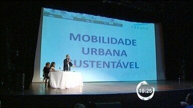 Prefeitura de São José dos Campos (SP) anuncia mudanças no projeto do VLT - Veículo Leve sobre Trilhos vai ligar regiões sul e central da cidade. Previsão é que projeto entre em execução a partir de 2014.