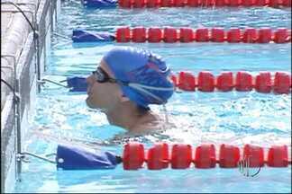 Natação recebe campeão paralímpico nos Jogos Abertos - Daniel Dias é o ídolo dos atletas que disputam na categoria PCD, que são as pessoas com deficiência. Esses esportitas são exemplos de superação.