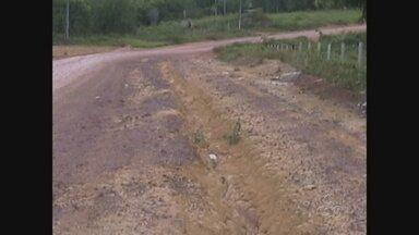 Agricultores enfrentam dificuldades para escoar produção, no Amazonas - Eles já chegaram a fechar a BR-174 em protesto contra situação das vicinais.