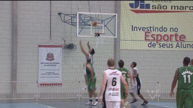 Guarujá e São João da Boa Vista disputam vaga na final do basquete masculino - Vaga é pela segunda divisão.