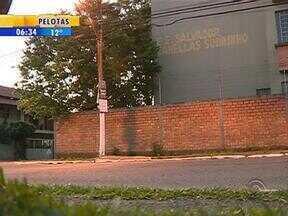 Adolescente de 16 anos é morto em Gravataí, RS - Ele levou cinco tiros quando passava em frente a uma escola.