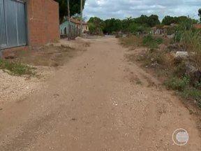 Moradores reclamam da falta de pavimentação na maioria das vias do Bairro Todos os Santos - Gerente executivo da SDU/Sudeste, Weldon Alves fala sobre o assunto.