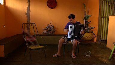 Fãs se preparam para ver o Michel Teló no Show de Verão - Pessoas mostram a paixão pelo cantor, que canta em Campo Grande no próximo sábado (9)