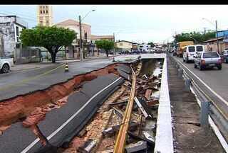 Inudações cusam prejuízos a população de Aracaju devido forte chuva - Inudações cusam prejuízos a população de Aracaju devido forte chuva.