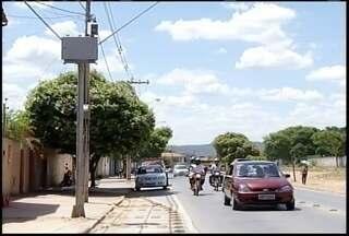 Mais de 3 mil multas são emitidas por redutores de velocidades em Montes Claros - Os radares estão instalados em três vias da cidade.