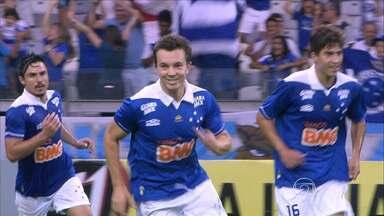 Além do título, Cruzeiro quer quebrar recordes no Brasileirão - Sem considerar o título, que está cada dia mais perto da Toca da Raposa, time mineiro ainda poderá quebrar vários recordes no Campeonato Brasileiro.