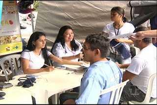 Caminhoneiros recebem atendimentos de saúde na BR-163 - Projeto Comando Saúde nas Rodovias é realizado pela PRF em todo o país.
