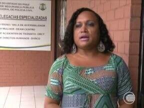 Polícia procura homem suspeito de espancar travestis na capital - Polícia procura homem suspeito de espancar travestis durante programas na capital