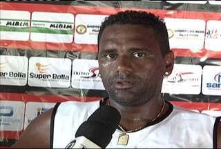 Atacante Kléber Pereira está de volta ao Moto Club - Após ajudar na volta do Rubro-Negro à primeira divisão do futebol maranhense e anunciar a aposentadoria.