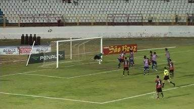Pela 'Taça Fares Lopes', o Guarany levou a melhor em cima do Barbalha - O jogo foi no estádio do Junco, em Sobral.
