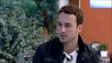 Rodrigo Andrade, o Daniel de Amor à Vida, investe na carreira de cantor - Artista fala de seu personagem na novela e do projeto musical