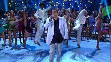 Zeca Pagodinho canta 'Trem das Onze' - O sambista levantou a galera