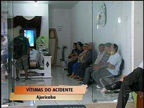 Enterrados em Ijuí, RS, os corpos das três vítimas mortas em acidente em Ajuricaba, RS - Três pessoas continuam internadas no Hospital de Caridade de Ijuí, RS.