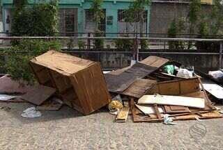 Vítimas de alagamentos ocasionados pela chuva continuam sem auxílio em Aracaju - Famílias reclamam da falta de ajuda do poder público.