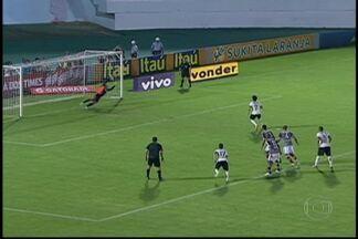 Campeonato Brasileiro está chegando ao fim - O São Paulo perdeu para o Atlético Paranaense depois de dez vitórias consecutivas. Já o Santos empatou com o Vasco. O Corinthians venceu o campeonato contra o Fluminense. Nesta quarta-feira (13) o Timão joga contra o Coritiba.