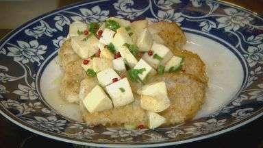 'Prato Feito' ensina receita de peixe com pimenta rosa - Fernando Kassab mostra o preparo de uma receita diferente de peixe.