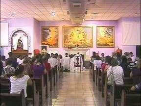 Católicos de Foz fazem vigília pela unidade da Igreja - Recentemente três padres foram afastados das funções causando polêmica na diocese
